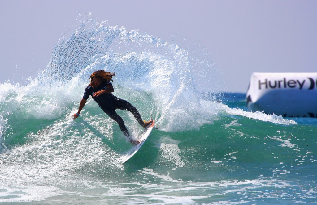 Machado_cutback,_Lower_Trestles,_California