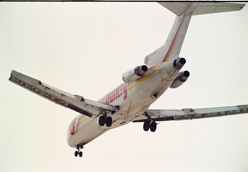 Boeing_727-251_Adv_N293US_(cn_21504_1319)_Sun_Country_Airlines._(5888778126)