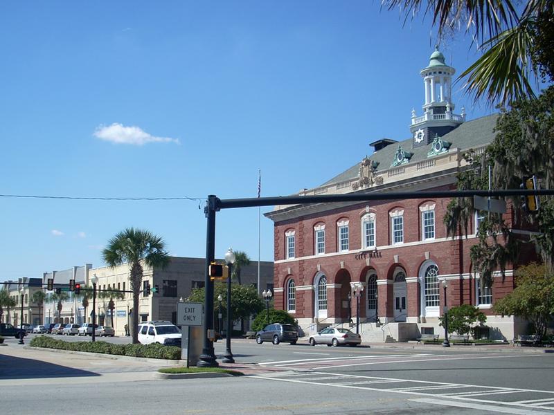 800px-Downtown_Brunswick,_Georgia