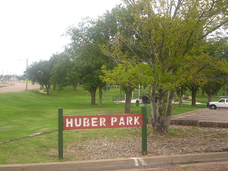 800px-Huber_Park_in_Borger,_TX_IMG_0629