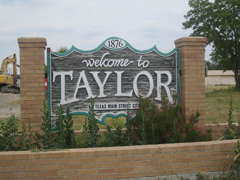 800px-Taylor,_TX_sign_IMG_2214