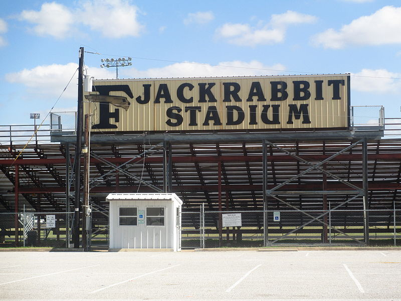 800px-Jackrabbit_Stadium,_Forney,_TX_IMG_5933