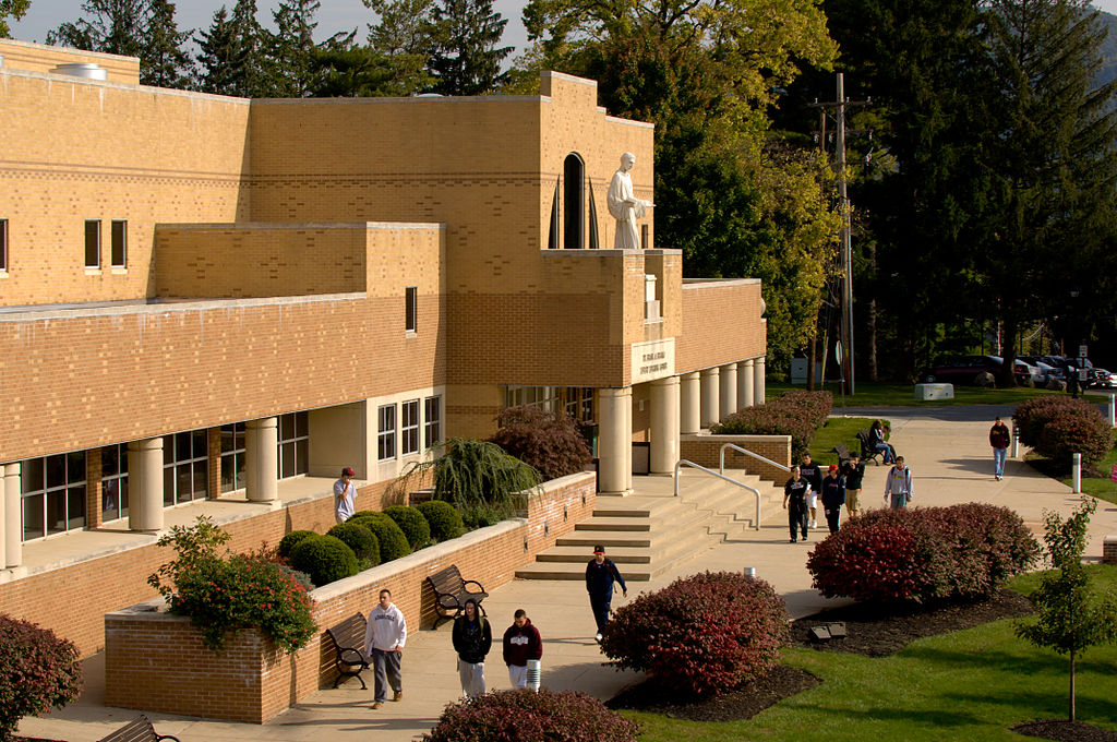 Franco_Library_at_Alvernia_University