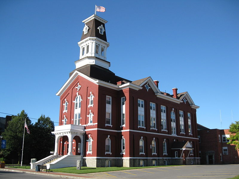 800px-Herkimer_County_Courthouse_Sept_09