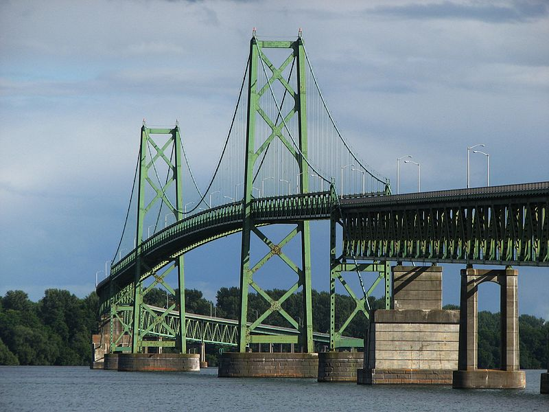 800px-Ogdensburg–Prescott_International_Bridge
