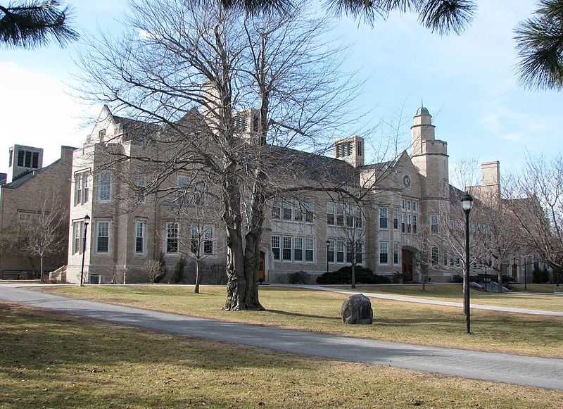 800px-Hawkins_Hall,_State_University_of_New_York_at_Plattsburgh