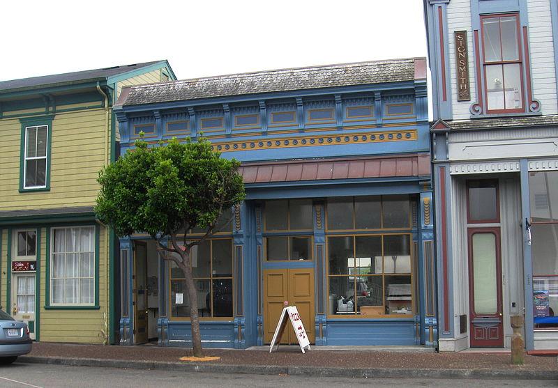 800px-Eureka,_California_Storefront
