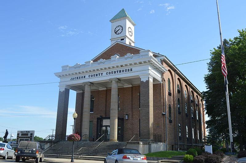 Jackson_County_Courthouse,_Jackson