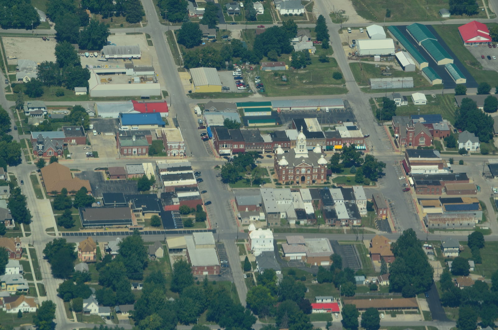 Aerial_view_of_Savannah,_Missouri_9-2-2013