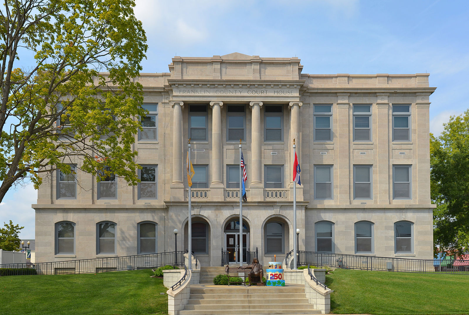 Franklin_County_MO_Courthouse_20140920_pano1