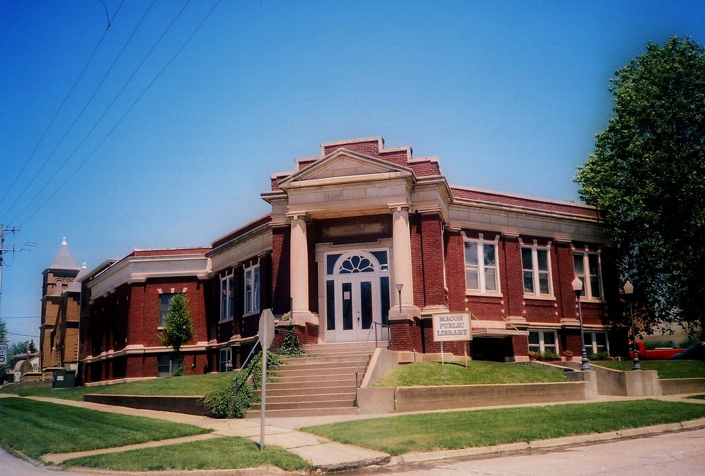 Macon_Missouri_Public_Library