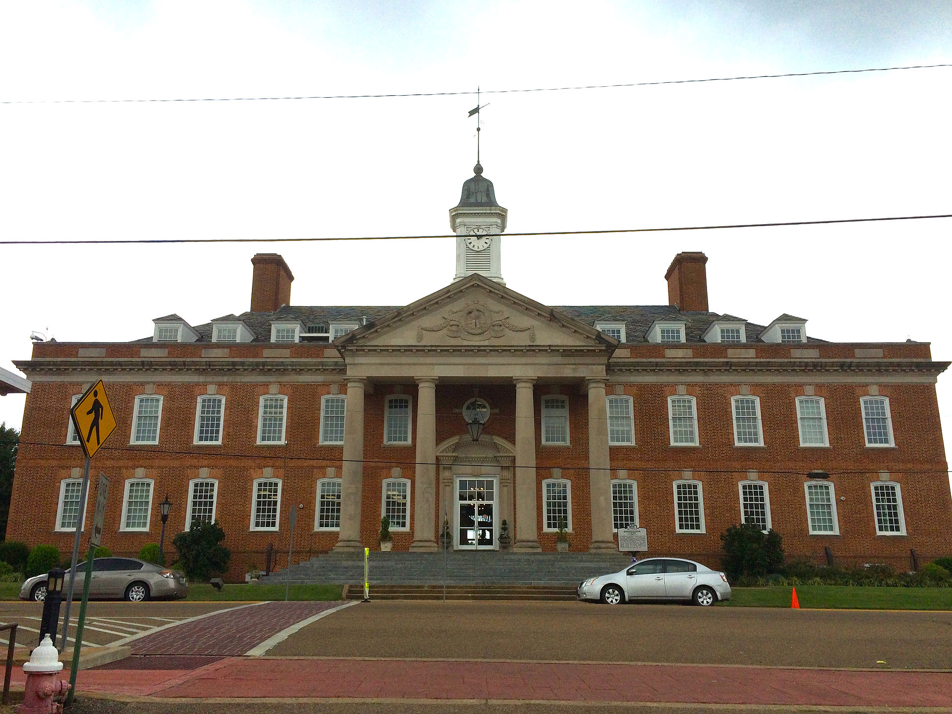 Hardin_County,_Tennessee_courthouse_in_Savannah,_Tennessee