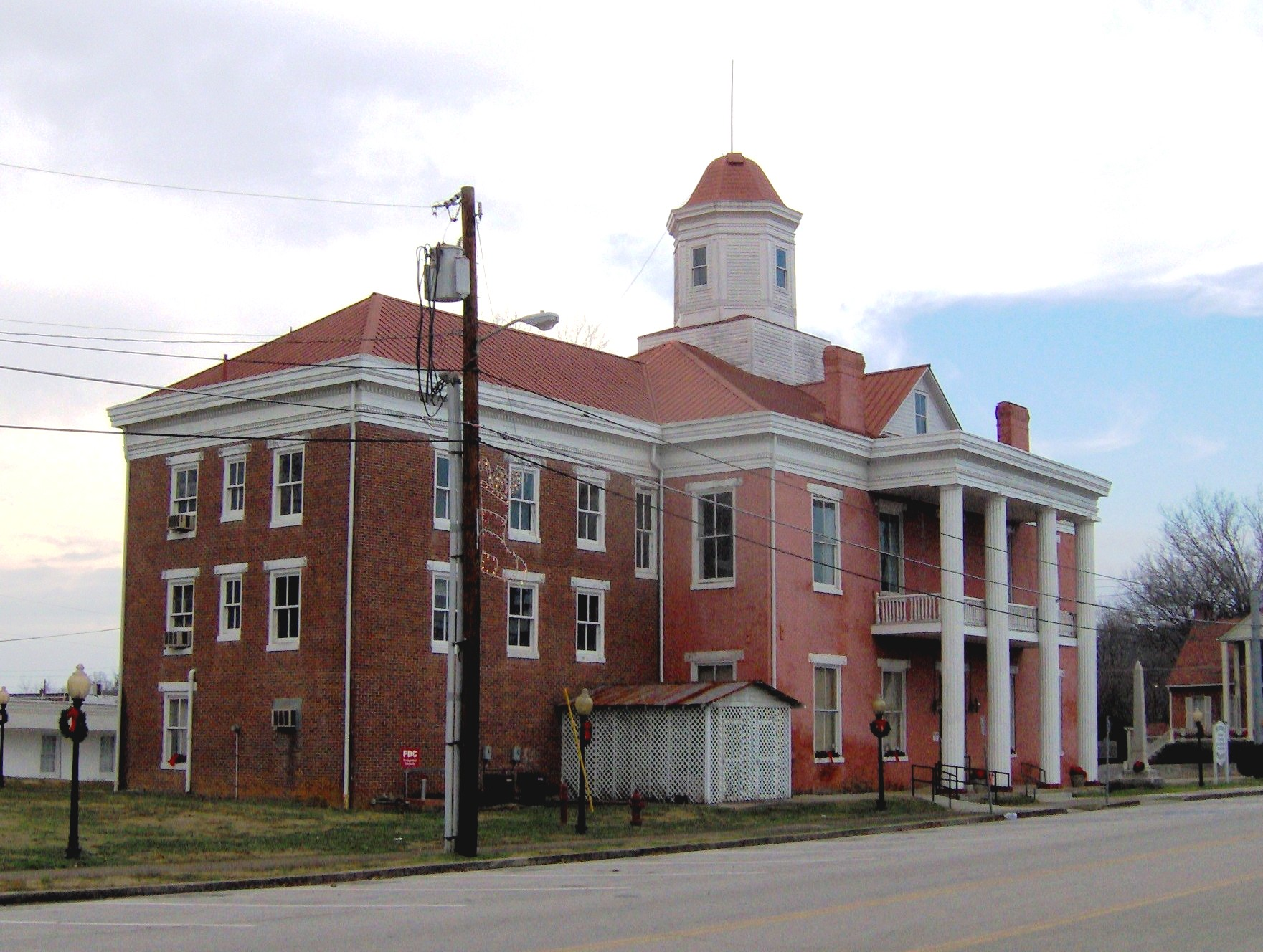 Kingston-tennessee-oldcourthouse1