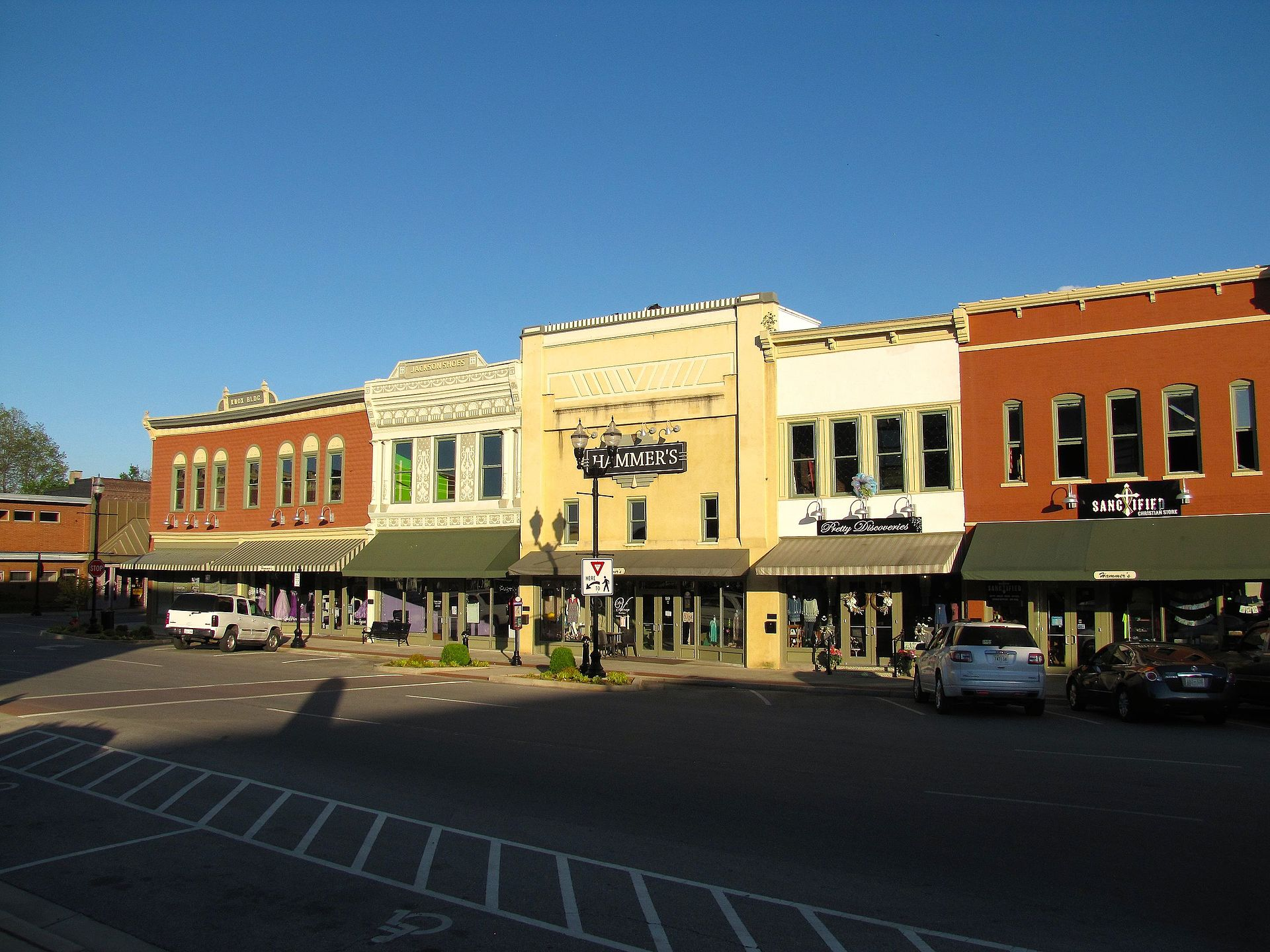 Winchester-Courthouse-Square-tn1