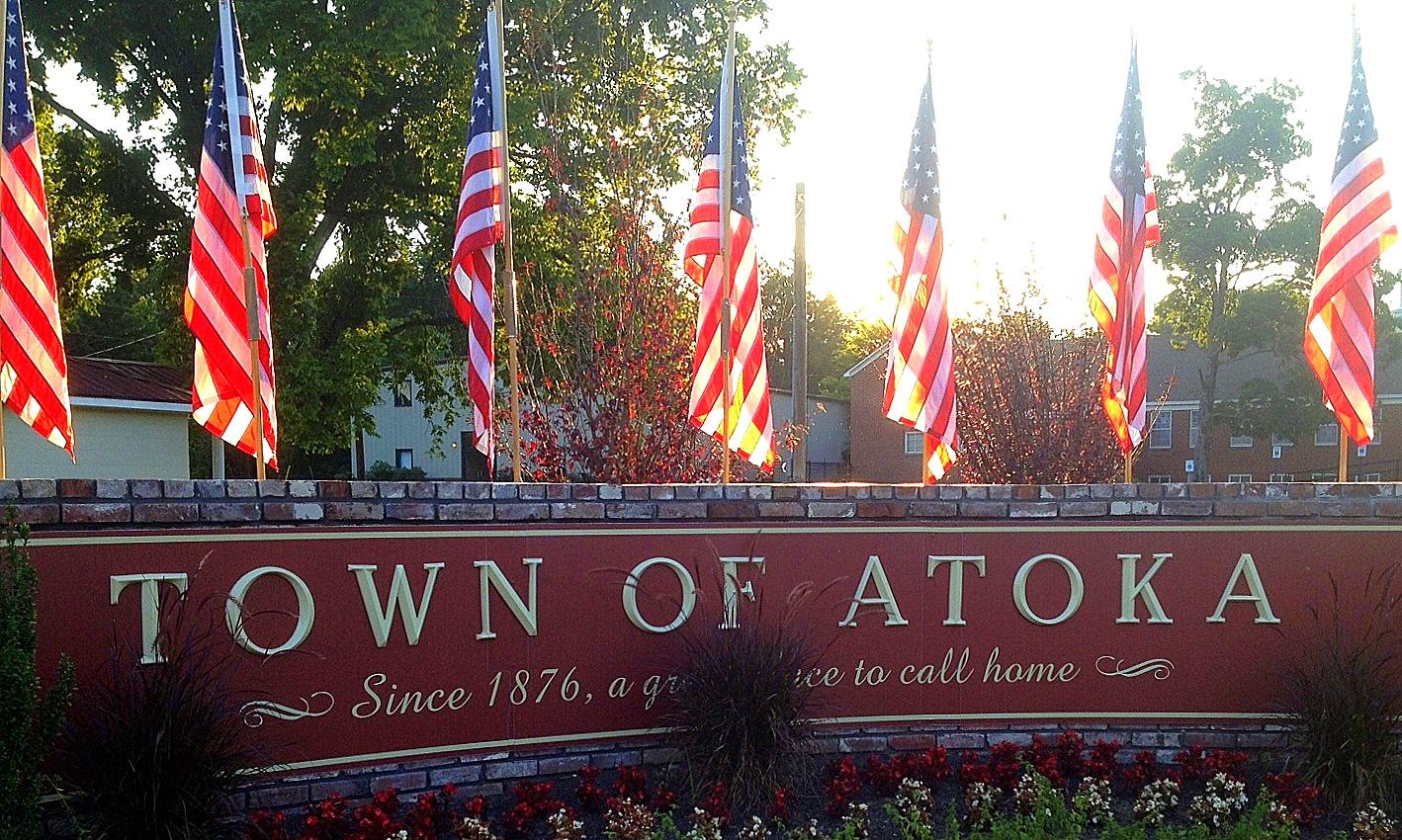 Town_of_Atoka_Sign,_Atoka,_Tennessee