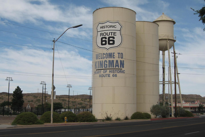 Kingman_Arizona_-_2013_-_01