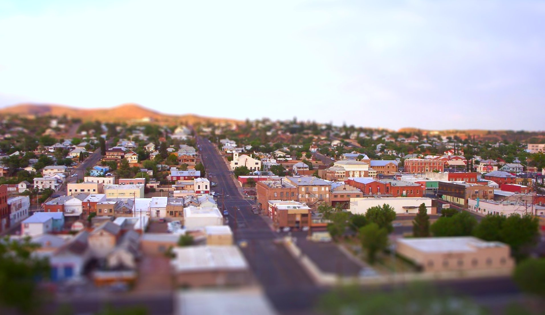 Downtown_Globe_Arizona_from_G_hill_-tiltshift