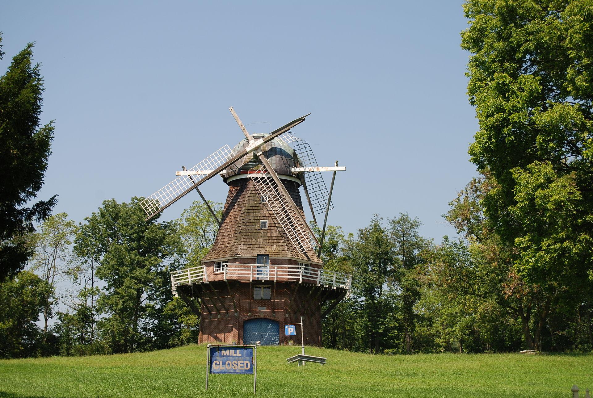 Volendamwindmill
