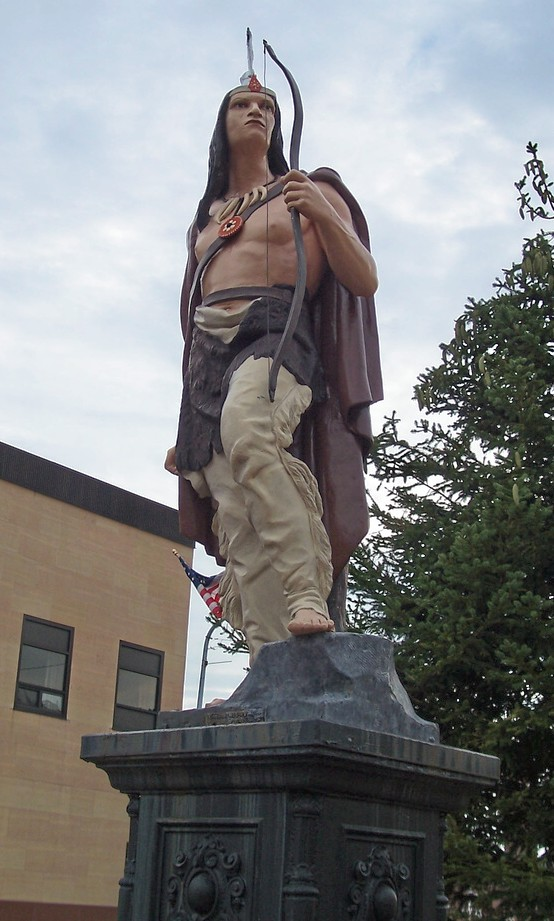 Ishpeming_Michigan_statue
